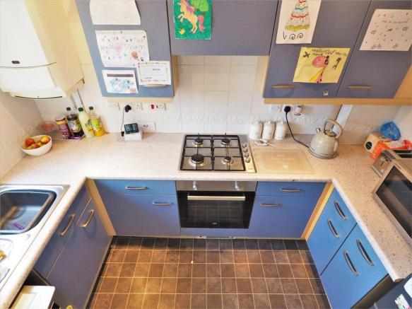 Fitted Kitchen 272
