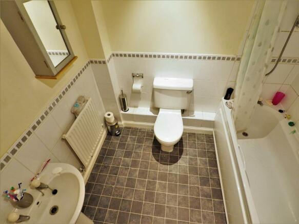 Family Bathroom 258