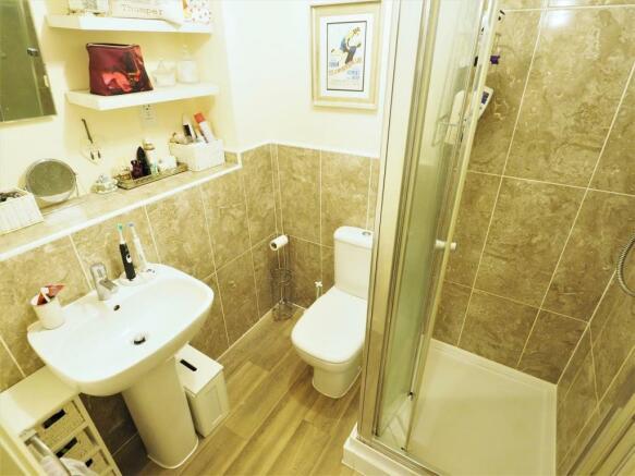 Shower Room 484