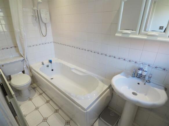 Ground Floor Bathroom 522