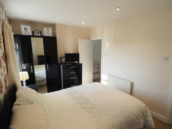 Bedroom One Into En-Suite 549