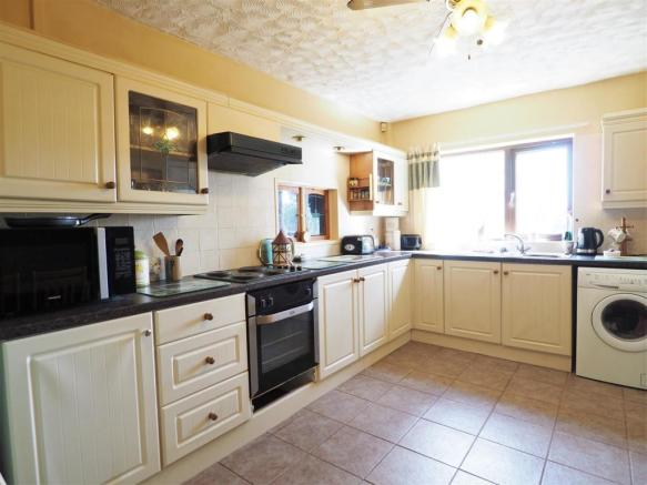 Fitted Kitchen 347