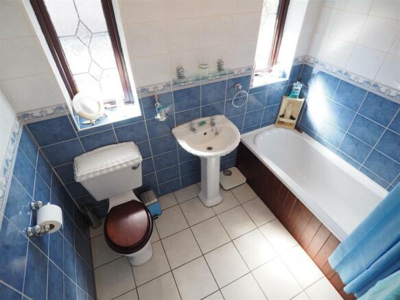 Family Bathroom 310