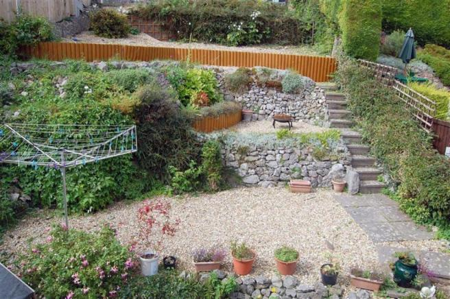 TERRACED REAR GARDEN