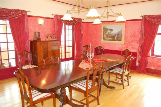 DOUBLE ASPECT DINING ROOM