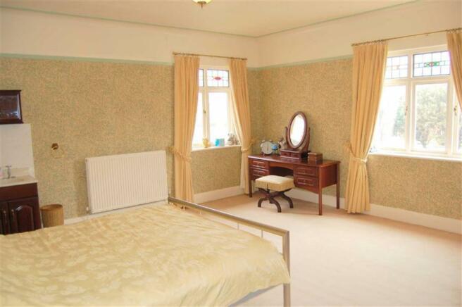 DOUBLE ASPECT BEDROOM 2