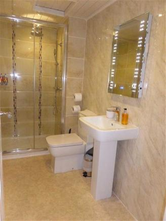 EN-SUITE  RECENTLY FITTED LUXURY SHOWER ROOM