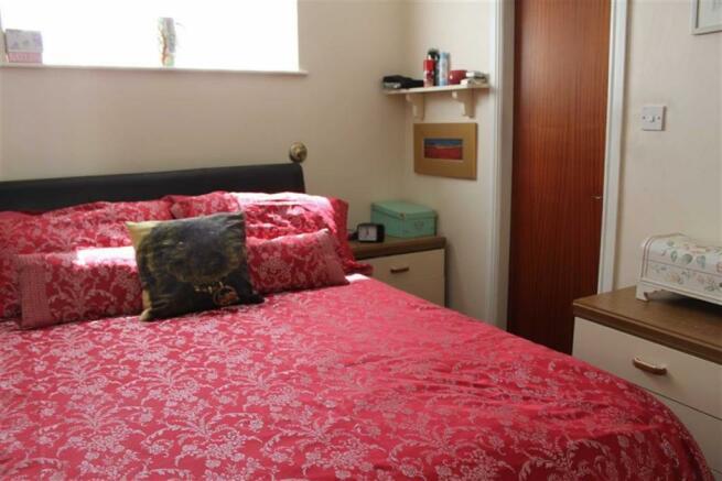 OWNERS GROUND FLOOR BEDROOM