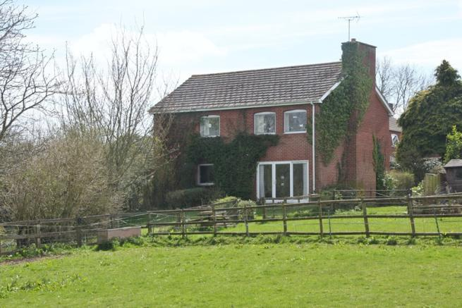 4 bedroom detached house for sale in copper beeches close - How much to move a 4 bedroom house ...