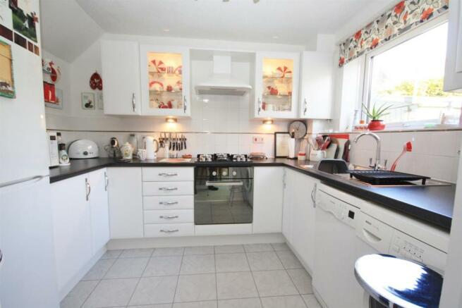 3 bedroom semi detached house for sale in barrington close boyatt