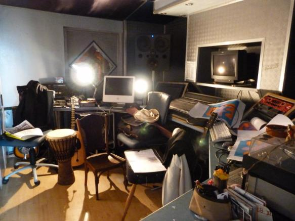 Recording Studio/Bed