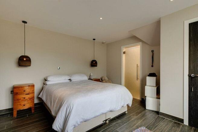 Bedroom 4 (wit...
