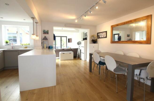 long view kitchen/di
