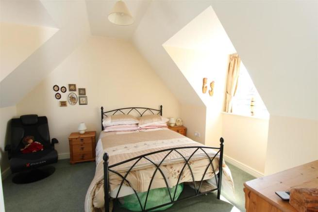 8c Areley Common bed two.JPG