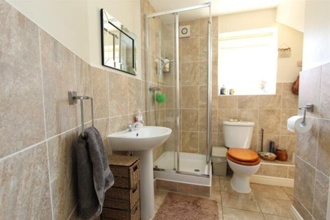8c Areley Common shower room.JPG