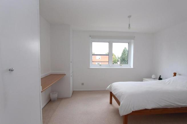 11 Lime Court bed2.jpg