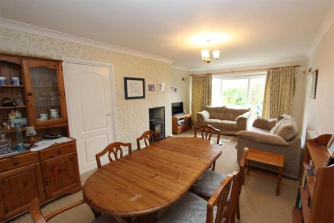 Avoncroft lounge dining.jpg