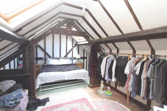 Flat 3 - Bedroom_0674.JPG