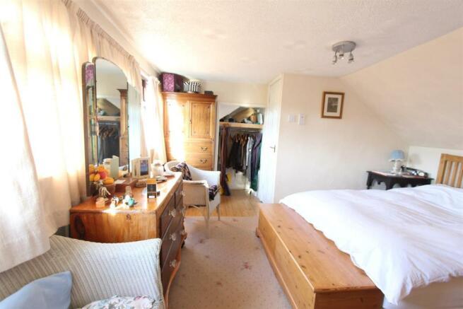 6 Spencer Ave Bedroom 0883.JPG