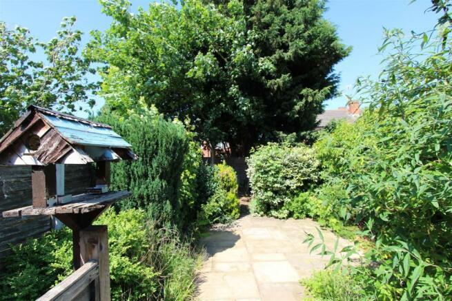 33 Manor Road garden.jpg