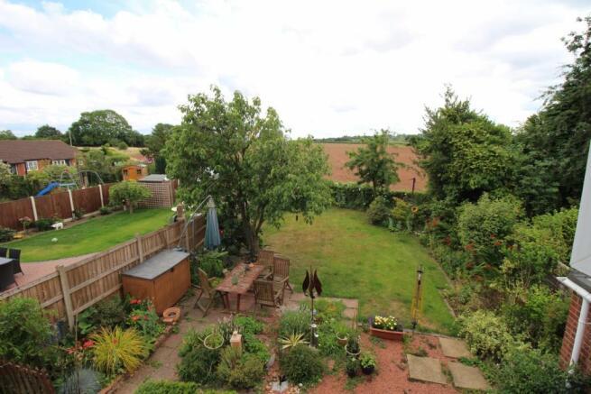 5 Millridge Way garden2.JPG