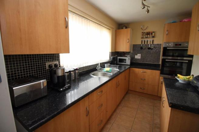 5 Millridge Way kitchen.JPG