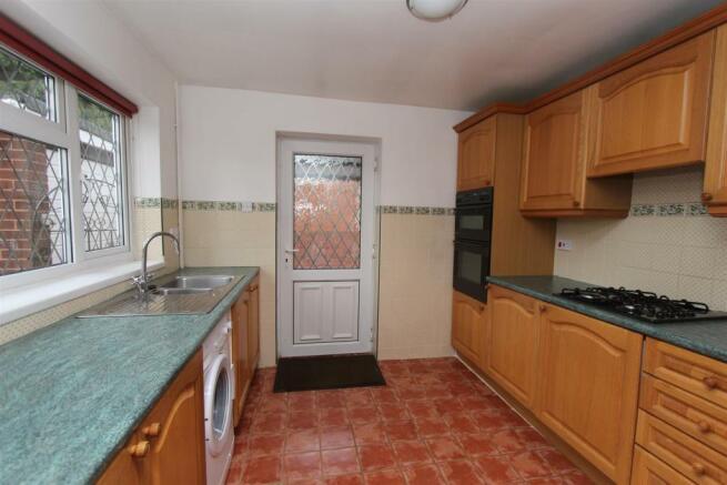 15 Vernon Road kitchen.JPG