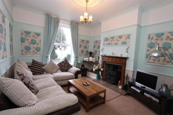 22 Severn Road Sitting Room 1158.jpg