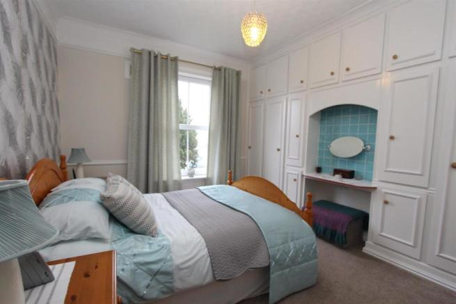22 Severn Road bed1 1153.jpg