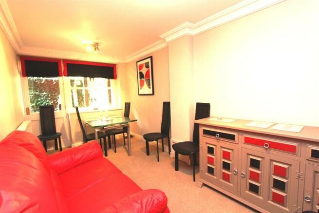 7 Parkes Quay Dining Room 0704.JPG