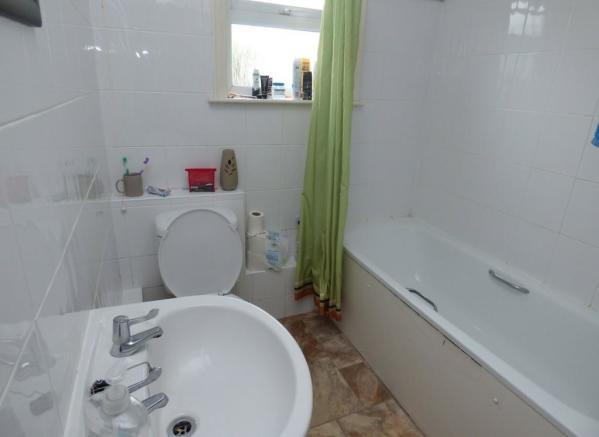 Bathroom 34a