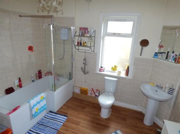 gilbert bathroom.jpg
