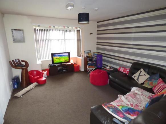gilbert lounge.jpg