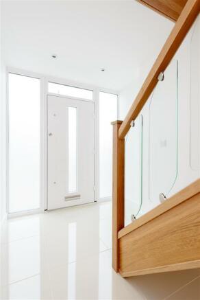 8346884-interior08.jpg