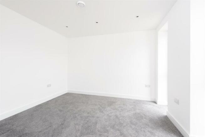 8346884-interior16.jpg