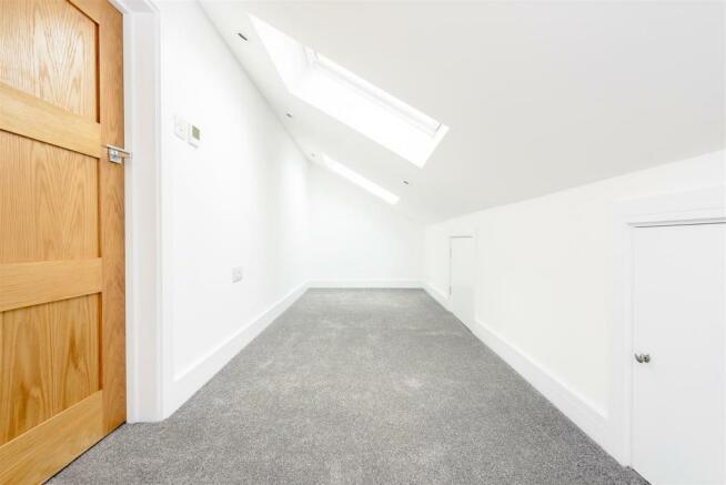 8346884-interior24.jpg