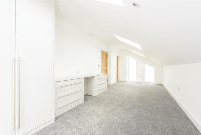 8346884-interior29.jpg