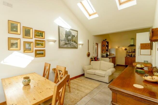 Kitchen/Dining Area (2)