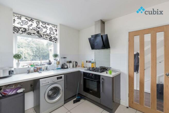 3 Bedroom Maisonette To Rent In High Street Banstead