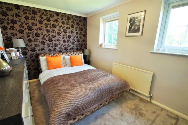 2 bedroom terraced house for sale in Wantage Road, College