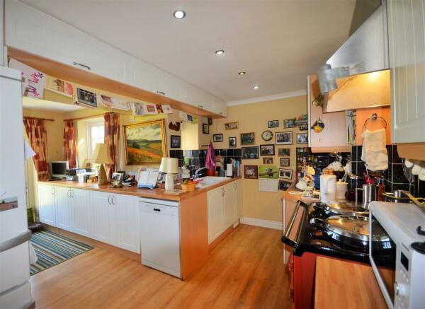 Kitchen to Breakfast Room