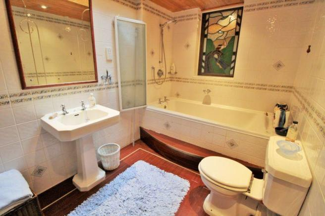 Bathroom (Grou...