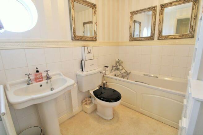 Bathroom (2nd ...