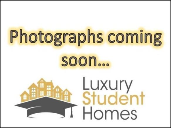 Photographs coming s