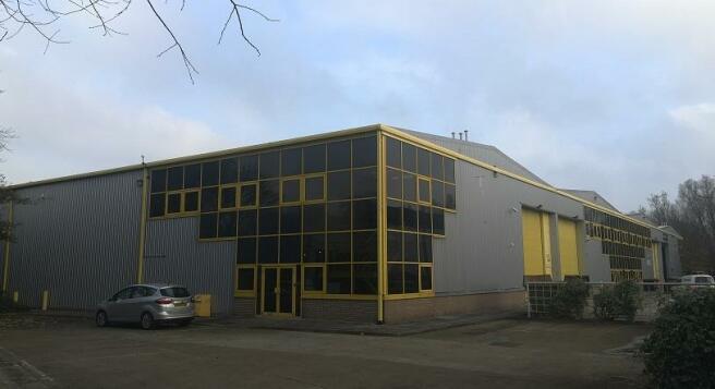 Warehouse to rent in Unit 1-2, Quadrillion Industrial Estate