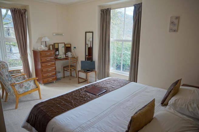 Double Bedroom with Larger Bed