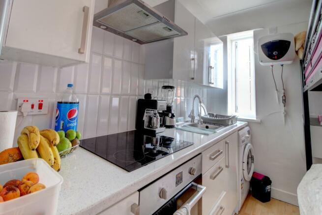 Studio 1 kitchen