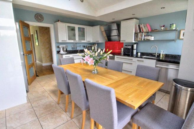 Open plan Kitchen 4