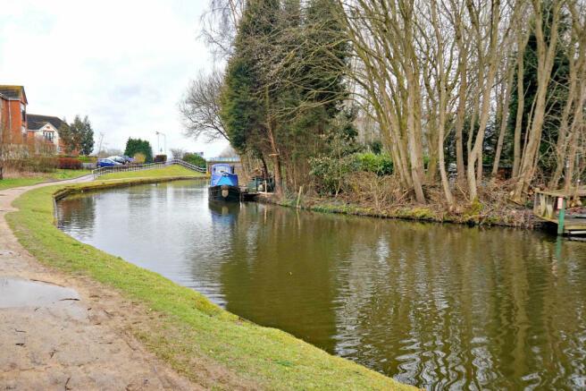 Canal walkway