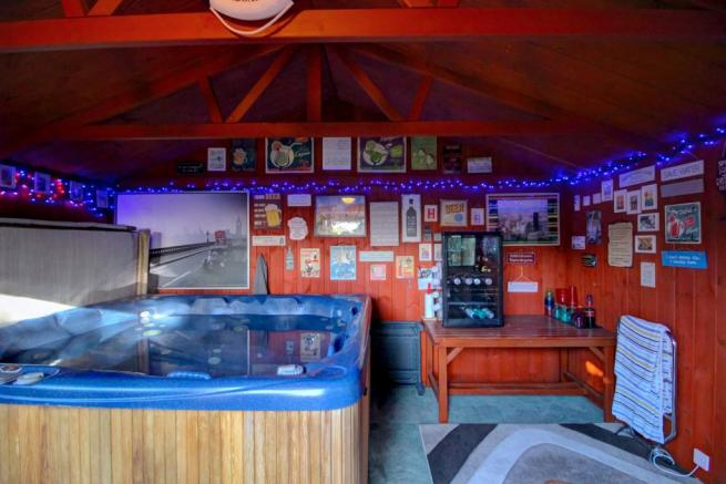 Hot tub lodge